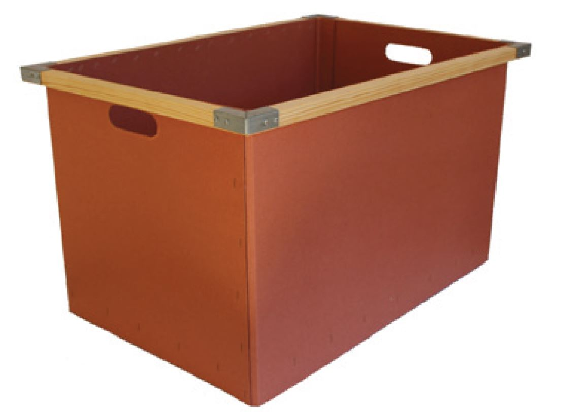 Vintagebox from solid paperboard with wooden frame and corner protection
